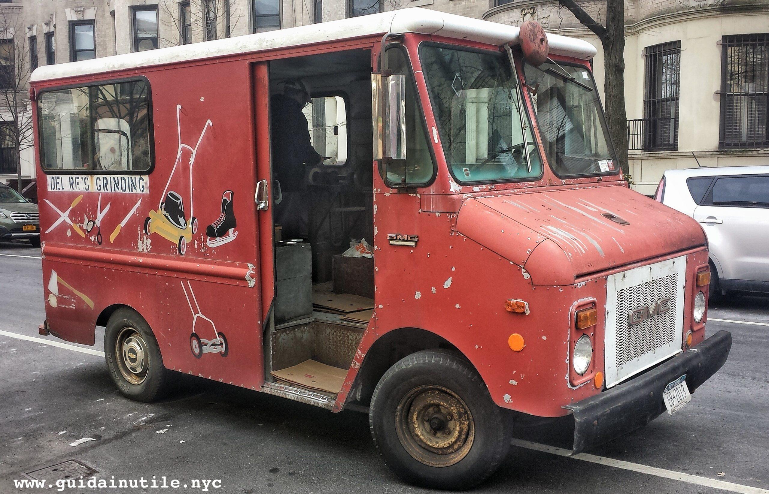 Del Re, grinding, grinder, arrotino, New York, Brooklyn
