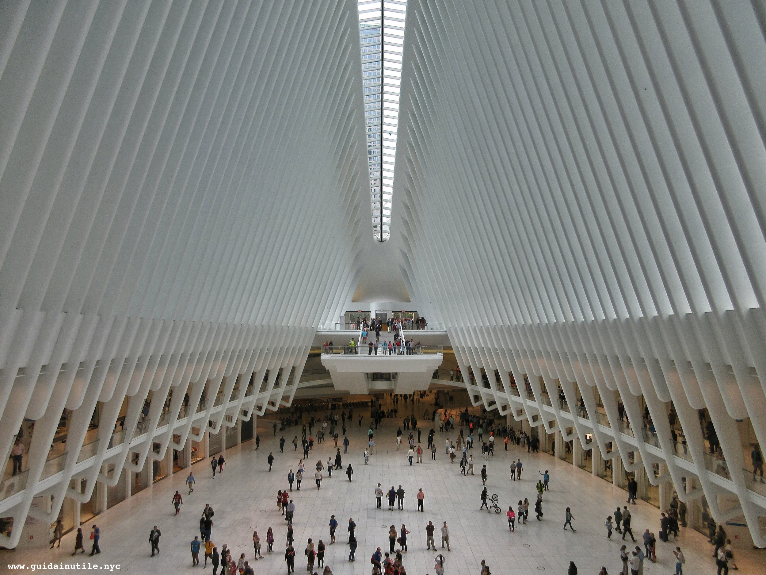 Oculus, WTC hub, World Trade Center, New York, Manhattan, New York City, Guida Inutile New York