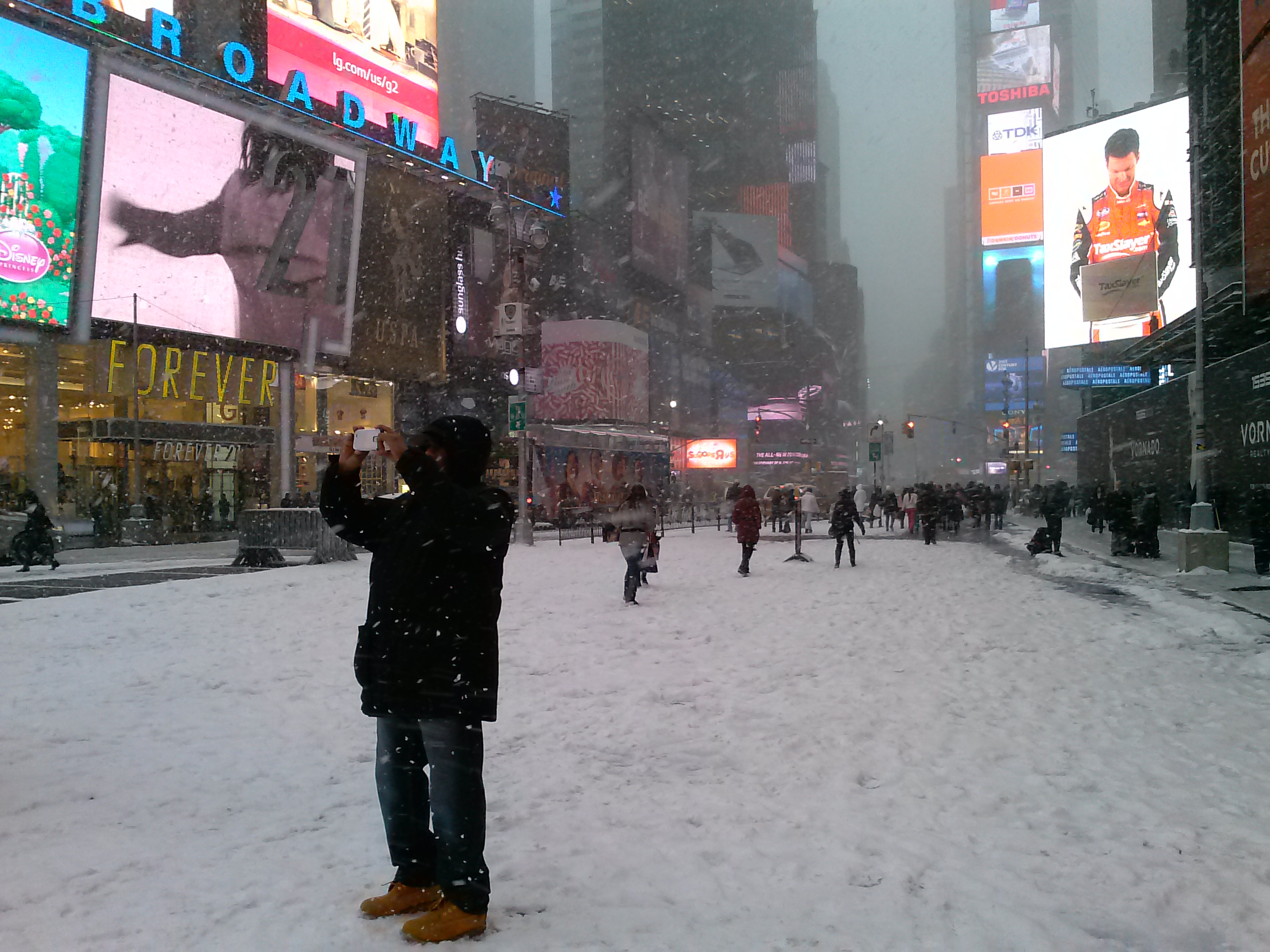 Times Square, snow, neve