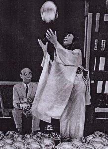 Lucio Fontana, Yayoi Kusama, Kusama, Narcissus Garden