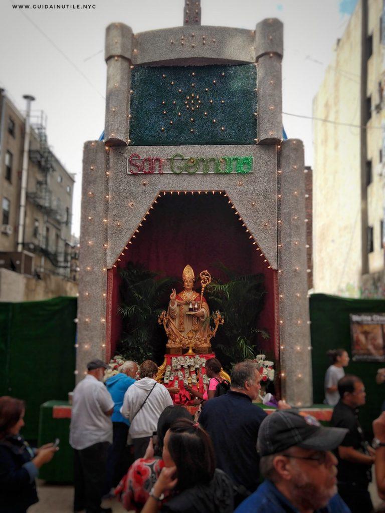 Little Italy, Feast of San Gennaro, San Gennaro, Festa di San Gennaro a New York, Statua di San Gennaro a Little Italy