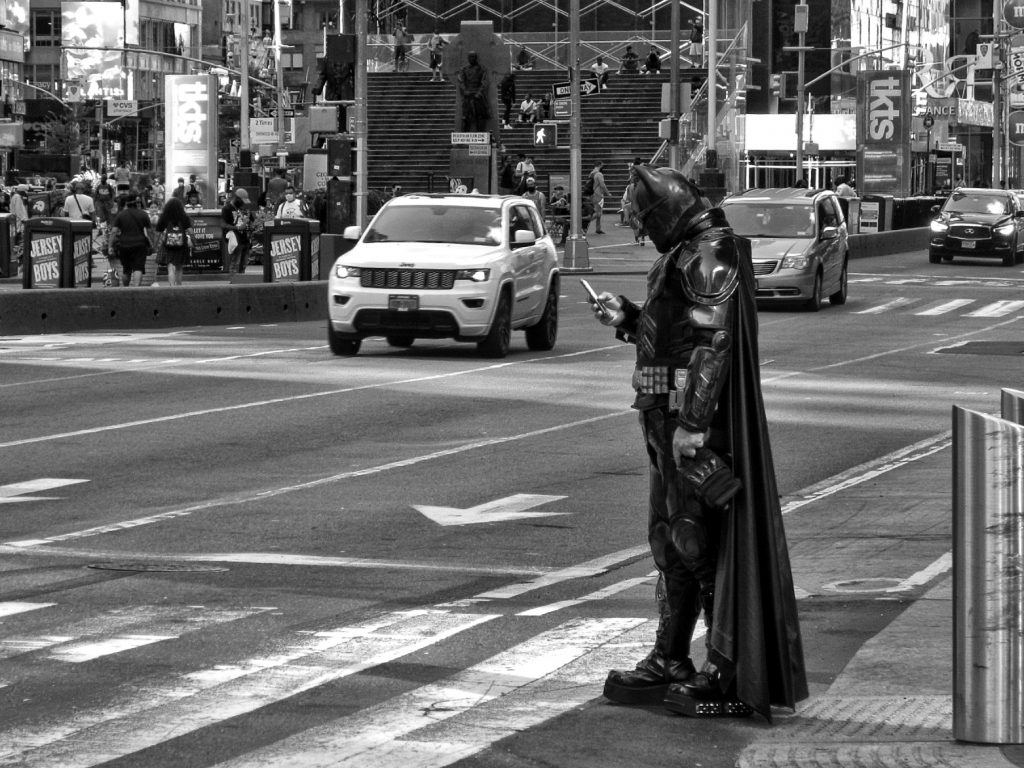 New York, Times Square, Batman è in città