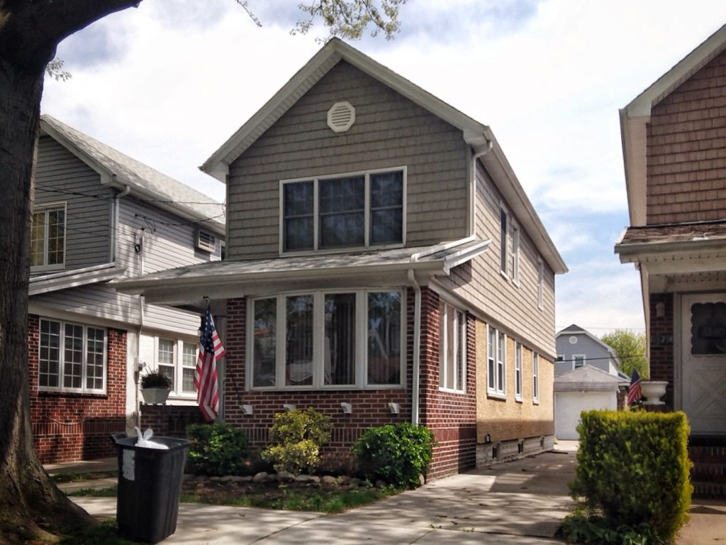 """Sheepshead Bay, Vincent MacKenna's house (""""St Vincent"""", the movie)"""